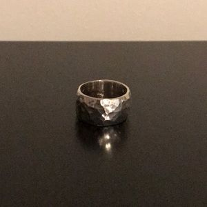 Hammered ring R1343